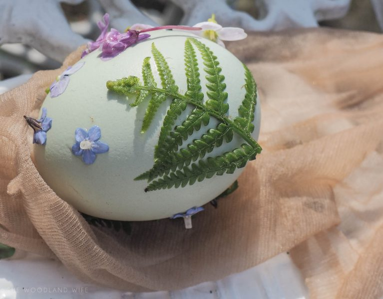 The Woodland Wife - Easter Crafting - Naturally Dyed Eggs with Onion Skins